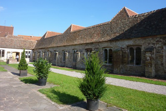 The Charterhouse (1598 - 1792) <small>23min / 16km</small>